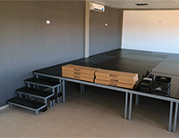 escenario-modular-con-escaleras.jpg